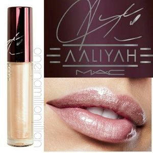 LE MAC Cosmetics Aaliyah Lipglass Lip Gloss